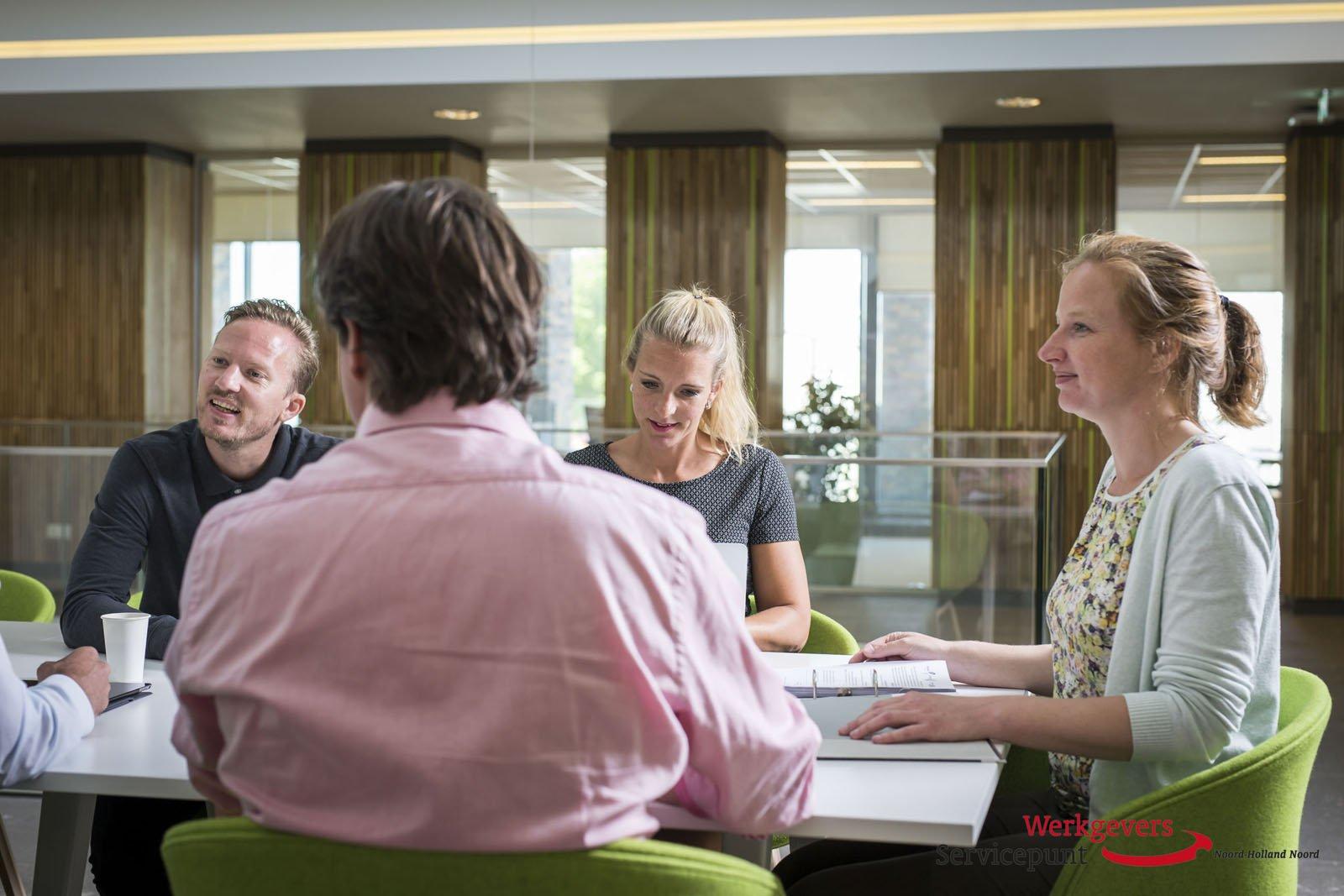 Jobcoach Ema Najetovic Helpt Werkgevers Om Sociale Rol Op Te Pakken